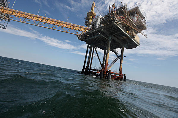 oil_rig_louisiana